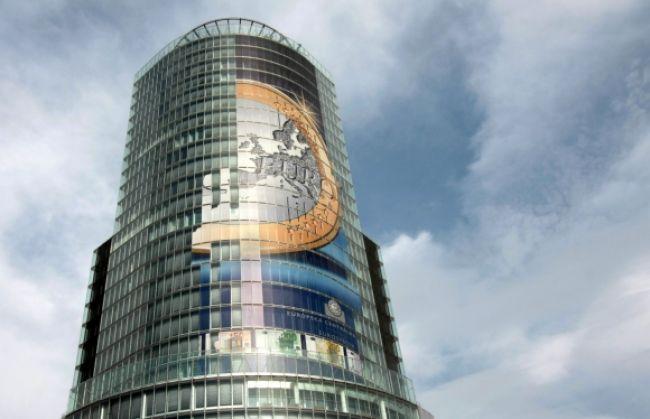 Slovensko predalo nové eurobondy za takmer dve miliardy eur