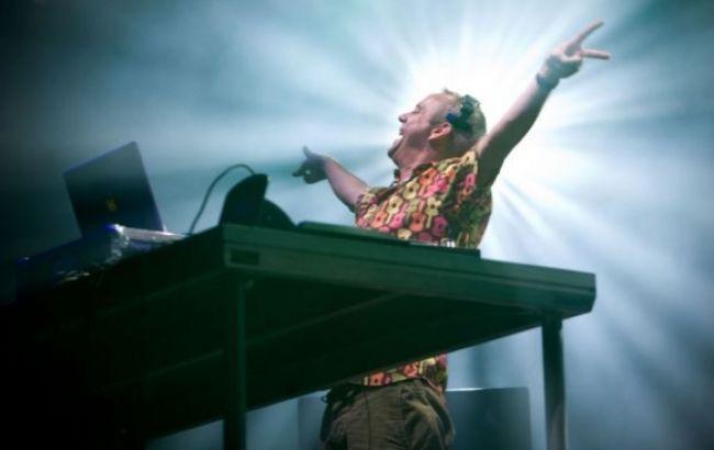 Fatboy Slim zahrá ako prvý DJ v dolnej komore parlamentu