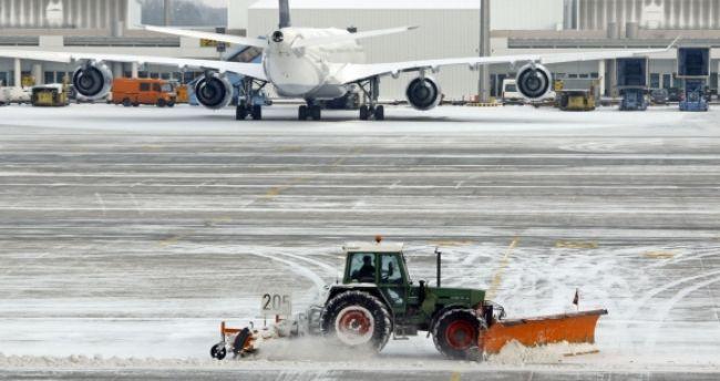 Tender na poradcu pre letisko Bratislava trvá poldruha roka