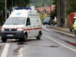 Vodič prešiel muža ležiaceho na zemi, zomrel v nemocnici