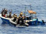 Somálsky prezident sa popasuje s pirátmi, omilostí ich