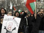 V Bulharsku protestujú desaťtisíce ľudí proti vláde