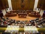 Poslanci si zrušenie financovania strán neodklepli