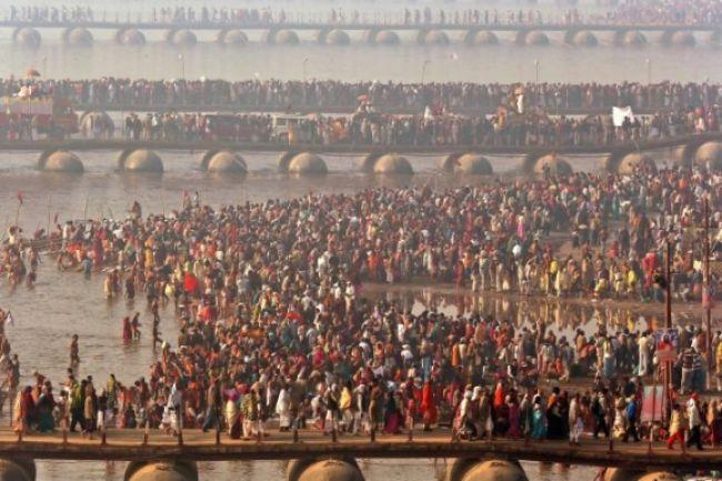 Milióny hinduistov si zmyli hriechy v Gange, boli aj obete