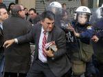 Grécko takmer 2 000 štátnych zamestnancov neprepustí