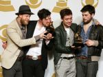 Mumford & Sons sú po zisku Grammy opäť na čele Billboardu