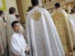 Opozícia sa zhodla, chce odluku štátu od cirkvi