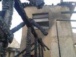V Mýtnej horel dom a holubník, požiar spôsobil skrat