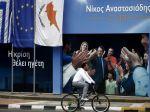 Cyprus nesmie odísť z eurozóny, varuje eurokomisár Rehn