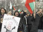 Bulhari zablokovali križovatky, skandovali heslá proti vláde