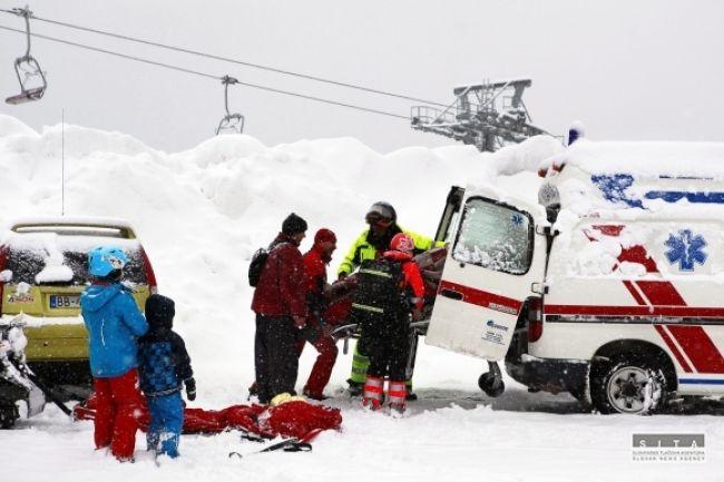 Na svahoch pribúdajú úrazy, lyžiari sú nedisciplinovaní