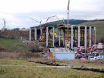 Práce na spadnutom moste pri Kurimanoch stále neobnovili