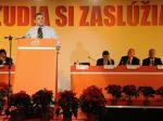 Premiér by mal namiesto klikov riešiť problémy, tvrdí Frešo