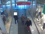 Zlodeji ukradli 24 svetrov, zachytili ich kamery
