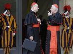 Kardináli sa zišli posledný raz pred utorkovým konkláve