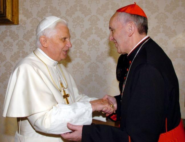 Nový pápež zatelefonoval Benediktovi XVI.