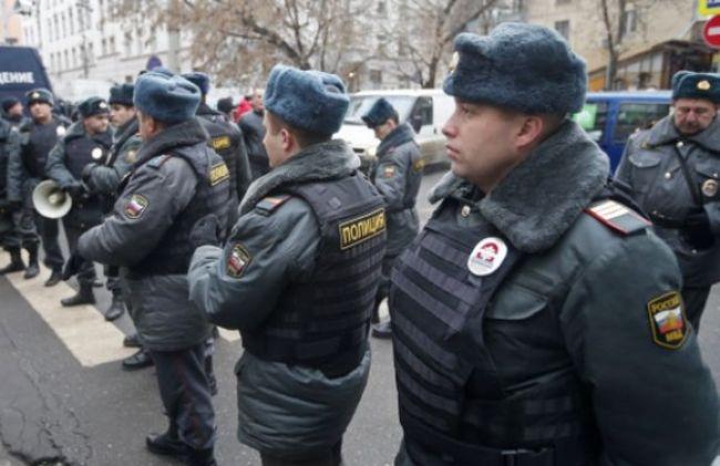 Rukojemnícka dráma na ruskej škole, útočník má vraj bombu