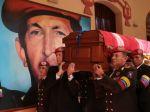 Video: Chávezovo telo pochovali v armádnom múzeu