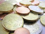 Úročenie vkladov bolo začiatkom roka medziročne nižšie