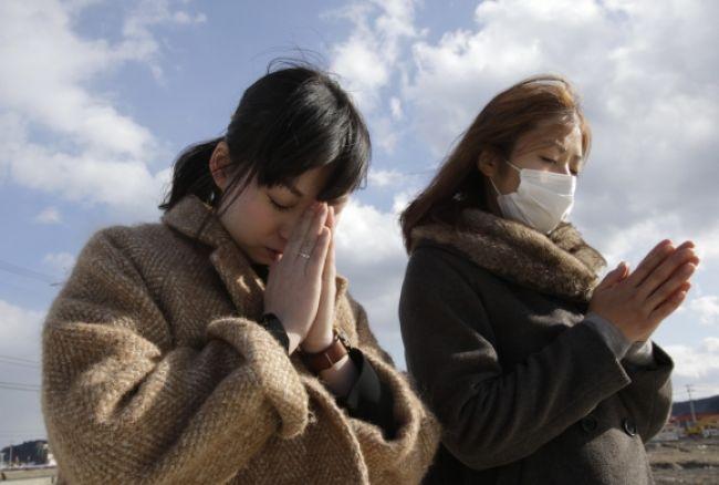 Japonsko si pripomenulo útok nervovým plynom na metro