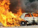Krutý koniec, auto po havárii vzbĺklo a vodič uhorel