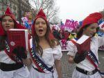 Video: Státisíce Francúzov protestovali proti gay svadbám