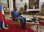 Stredoafrickí povstalci obnovili boje, zvrhli prezidenta