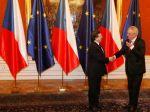 Český prezident Zeman podpísal trvalý euroval