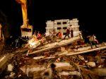 V Indii spadla budova, pochovala desiatky ľudí spolu s deťmi