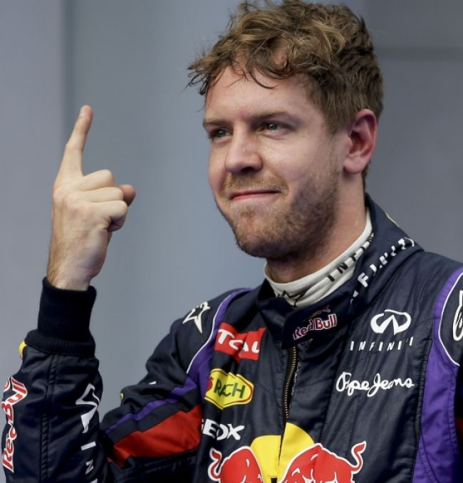 Šéf Lotusu by najradšej potrestal Sebastiana Vettela