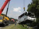 V Česku havaroval autobus plný detí, zahynula tínedžerka
