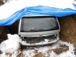 Auto zakopal v záhrade, aby dostal peniaze z poistky