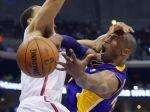 Video: Lakers prehrali derby, play-off NBA sa im vzďaľuje