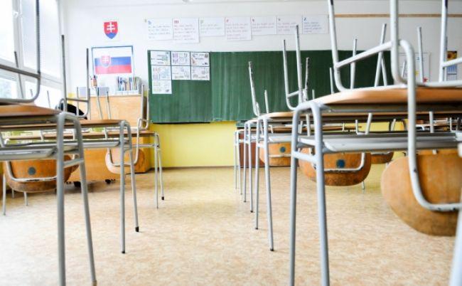 Prihlášky na strednú školu možno podávať už len do stredy