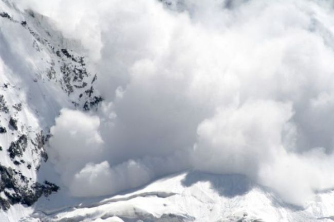 V horách hrozí stále lavínové nebezpečenstvo