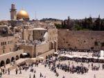 Rabín podporil liberálnu modliacu sekciu pri Múre nárekov