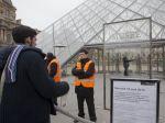 Pracovníci Louvru štrajkujú, ohrozujú ich agresívni zlodeji