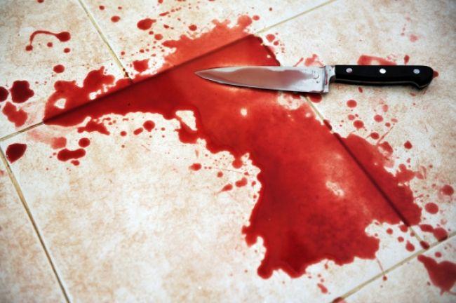 Policajti našli v dome mŕtvolu, zadržali muža a ženu