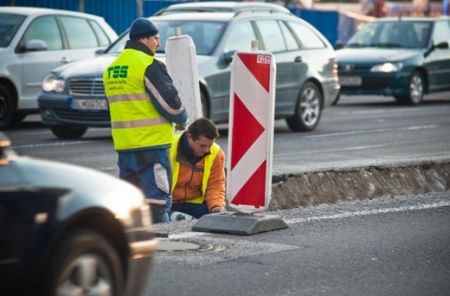 Cesty v Bratislavskom kraji zhltnú štyri milióny eur