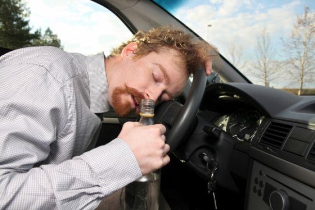 Vodič nafúkal takmer tri a pol promile, hrozí mu rok v base