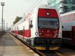 Muž skončil pod kolesami vlaku, zahynul na mieste
