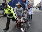 V cieli Bostonského maratónu vybuchli bomby, hlásia obete
