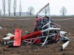 Pri Trnave sa zrútil vrtuľník, zomrel jeden človek
