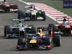 Veľkú cenu v bahrajnskej púšti ovládol Sebastian Vettel