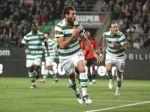 Futbalisti Celticu Glasgow oslavujú, získali 44. titul
