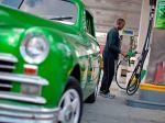 Slováci tankujú benzín a naftu drahšie ako susedia