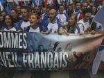 Desaťtisíce Francúzov protestujú proti Hollandovej vláde