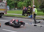 Motorkár neprežil zrážku s autom, polícia hľadá svedkov