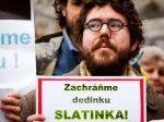 Aktivisti sa snažia zachrániť dedinku Slatinka pred zbúraním