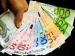 Slováci si za tri mesiace od bánk požičali vyše miliardu eur